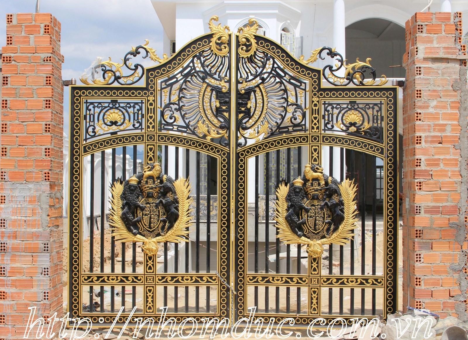 Báo giá cổng nhôm đúc đẹp sang trọng 2018