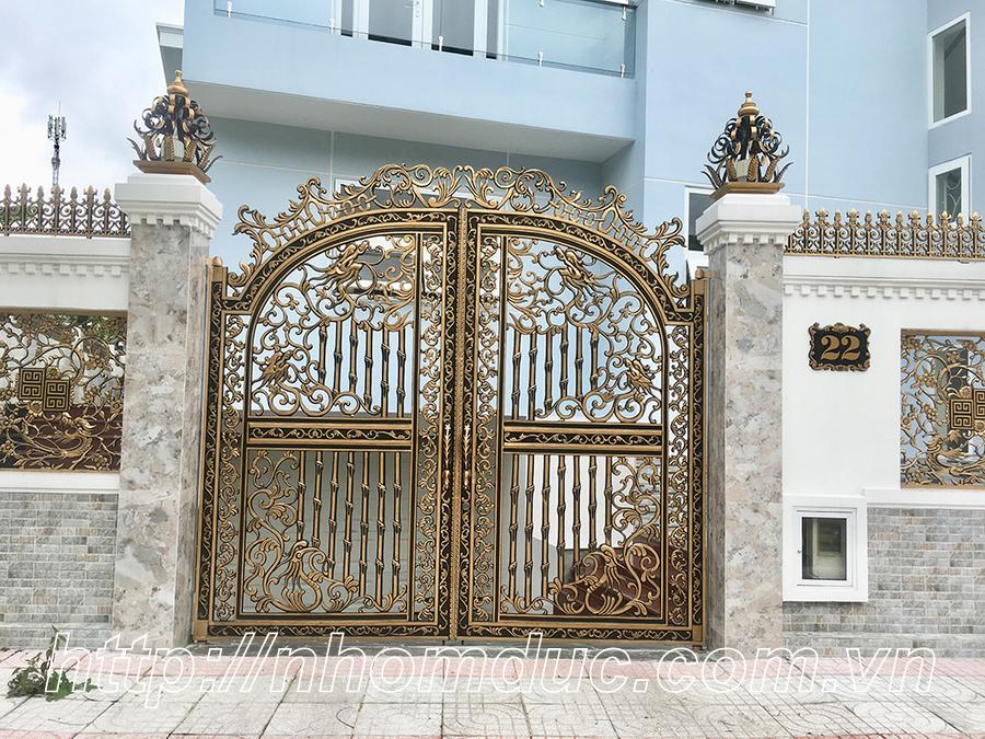 Cửa cổng nhôm đúc biệt thự