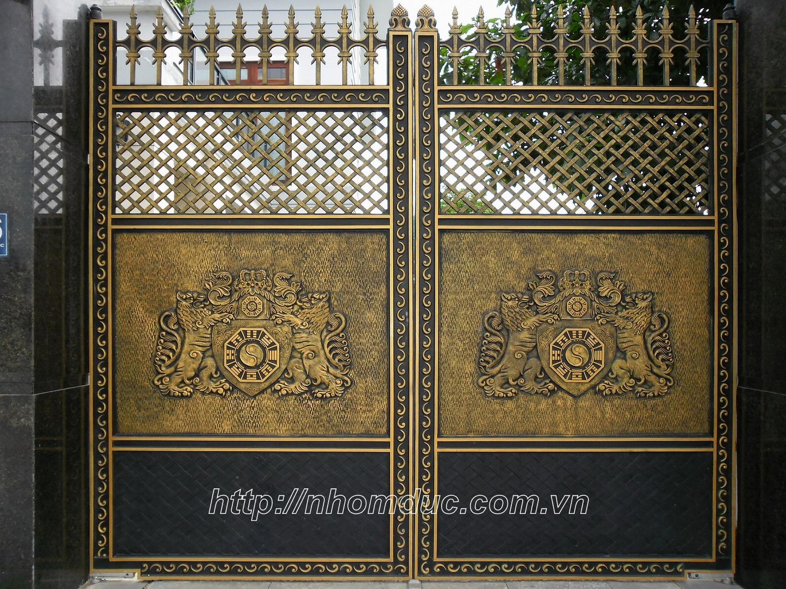 Mẫu cửa cổng nhôm đúc GAT 134,  giá cổng đồng đúc