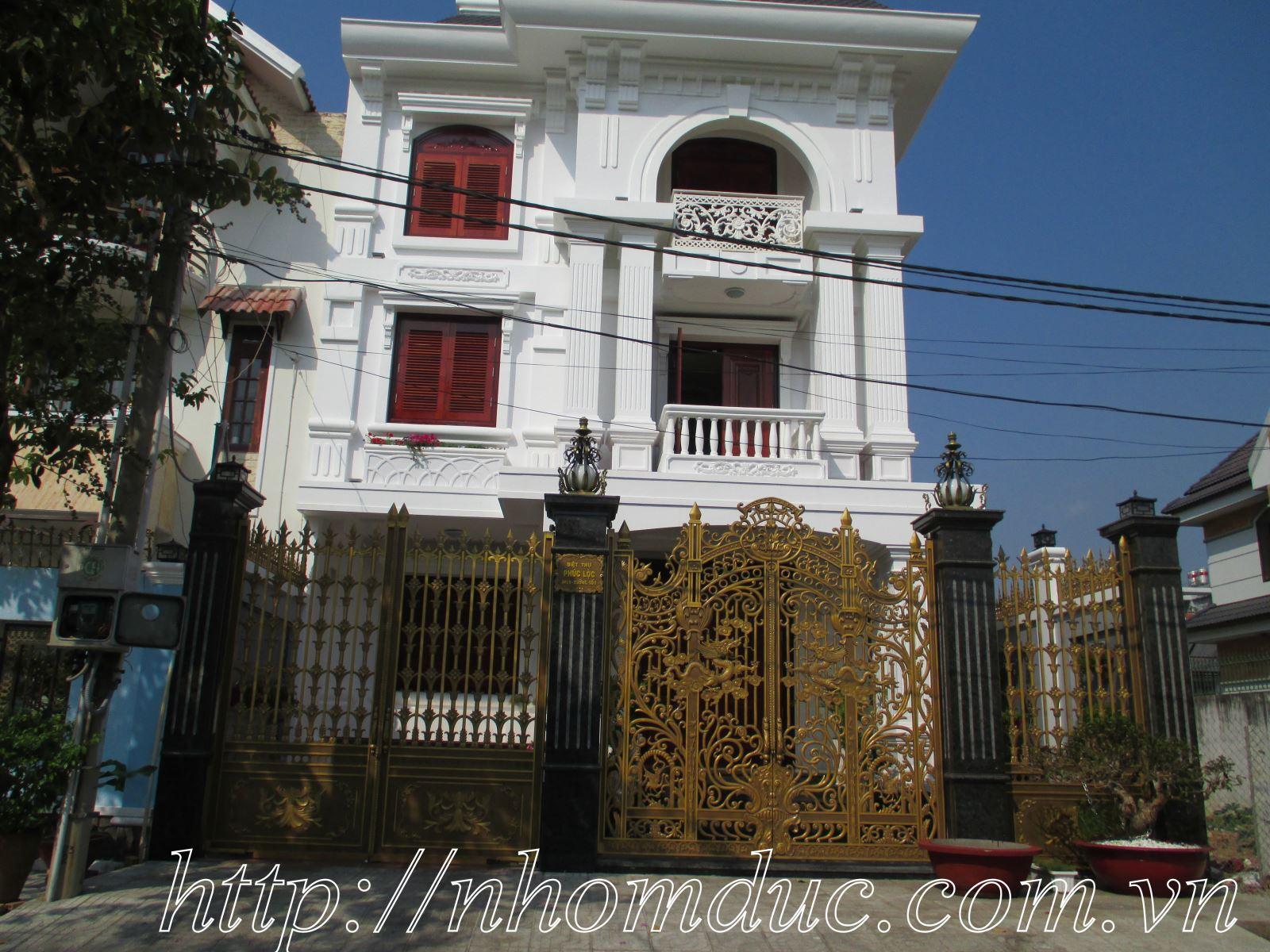 cổng nhôm đúc, cổng biệt thự, cổng sân vườn