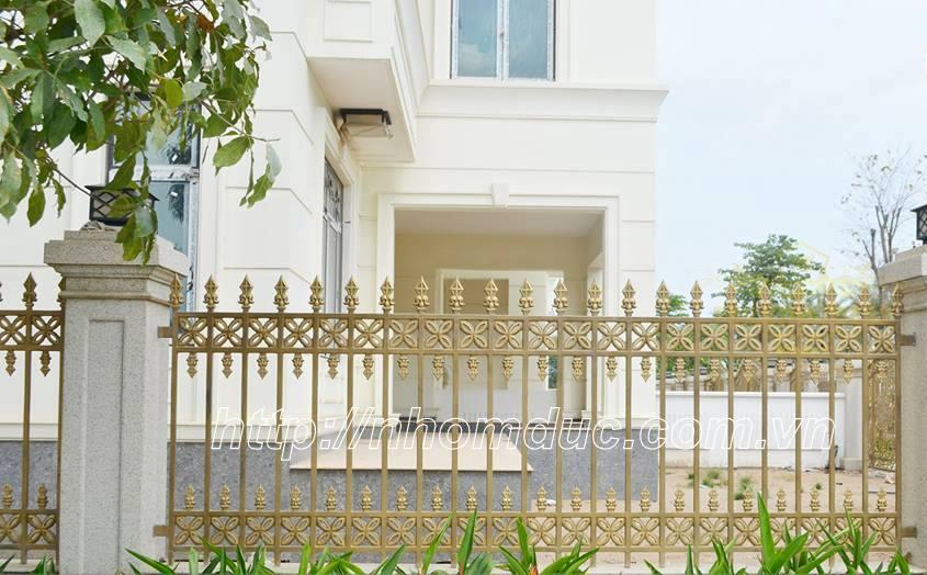 Các sản phẩm hợp kim nhôm đúc cao cấp của Fuco mang phong cách hiện đại. Báo giá cổng nhôm đúc, cửa, hàng rào, ban công, lan can. Báo giá hàng rào