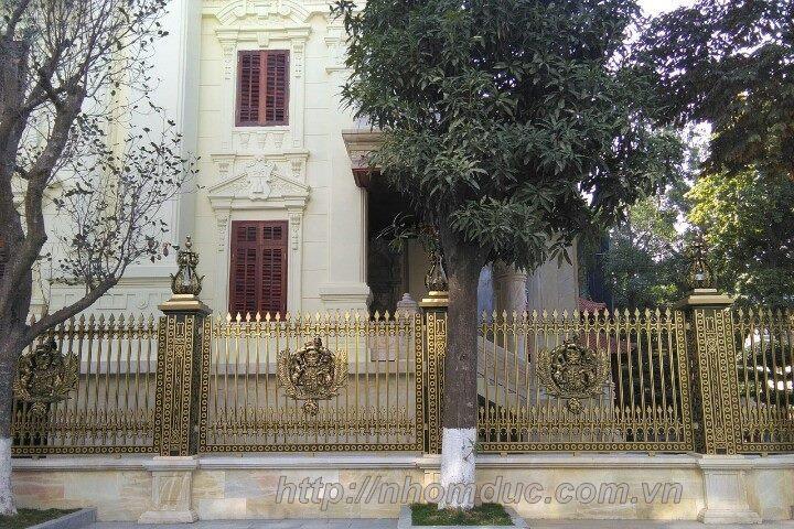 Tổng hợp những mẫu cổng nhôm đúc đẹp, độc quyền cho biệt thự.