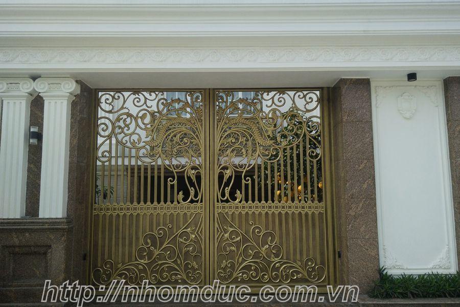 Báo giá cửa cổng nhôm đúc hợp kim. Báo giá nhôm đúc, báo giá các loại cổng nhôm đúc từ cổng nhôm đúc đơn giản đến cổng nhôm đúc phức tạp, cổng nhôm