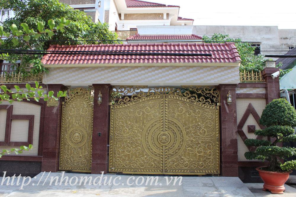 sản xuất thi công cổng nhôm đúc tại Hồ Chí Minh (HCM)