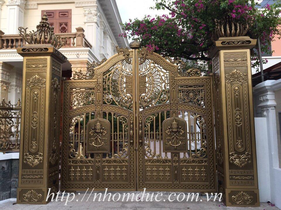 ổng nhôm đúc, cổng biệt thự.Mẫu cửa cổng nhôm đúc GAT